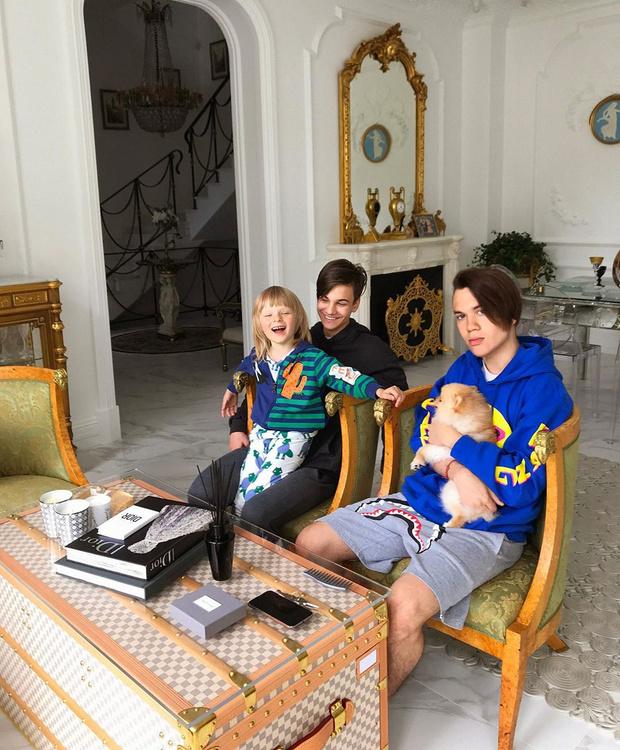 Саша, Николай и Андрей— три сына Яны Рудковской