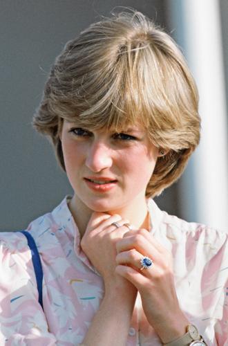 Фото №4 - История помолвочного кольца принцессы Дианы и Кейт Миддлтон