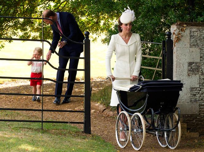 Фото №40 - Самые трогательные моменты крестин детей герцогов Кембриджских