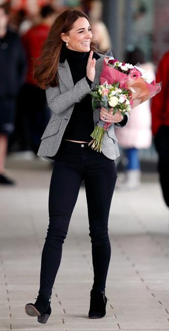 Фото №3 - Запретный плод: как королевские особы носят джинсы