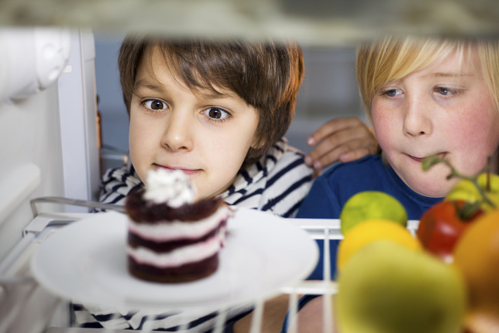 Фото №1 - Толстый ребенок: как помочь ему похудеть