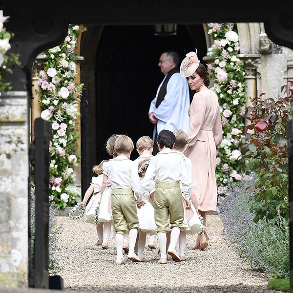Фото №8 - Герцогиня Кембриджская в роли няни на свадьбе сестры (фото)