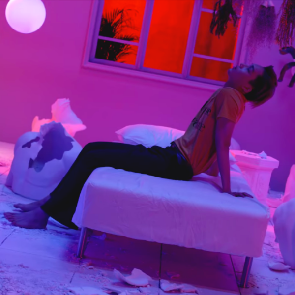 Фото №1 - K-pop клипы, основанные на классической литературе 📚