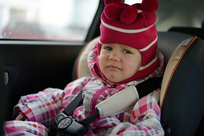 Фото №1 - Застряли в пробке: идеи для игр с ребенком в автомобиле