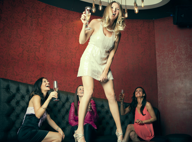 Фото №3 - Корпоратив: 7 правил поведения на танцполе