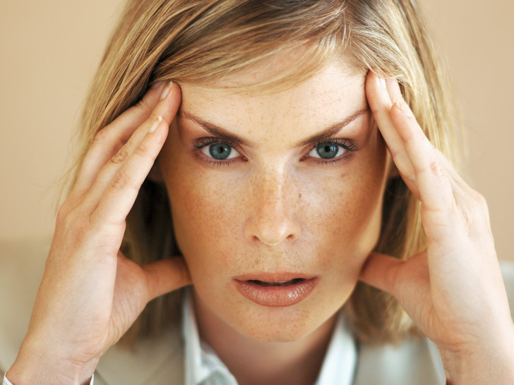 Фото №2 - Почему дергается глаз, и как с этим бороться?