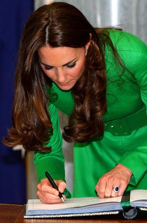 Фото №6 - О чем говорит почерк герцогини Меган (и чем это грозит принцу Гарри)