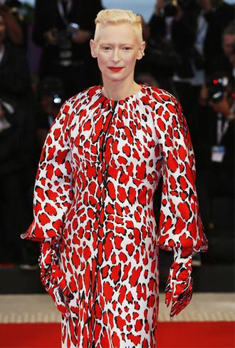Фото №9 - Модная Венеция-2018: 10 лучших нарядов кинофестиваля