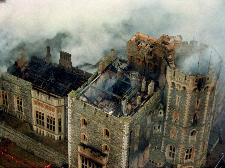 Фото №2 - «Конец монархии»: событие, разбившее сердце Королевы