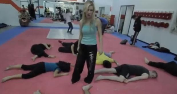 Фото №1 - Видео тренировки дублерши Черной вдовы набрало тысячу комментариев меньше чем за сутки
