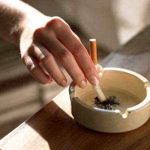 Фото №1 - Борьба с курением не приносит результата