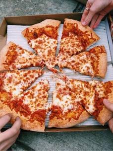 Фото №6 - Тест: Выбери пиццу, и мы угадаем, в каком месяце ты родилась