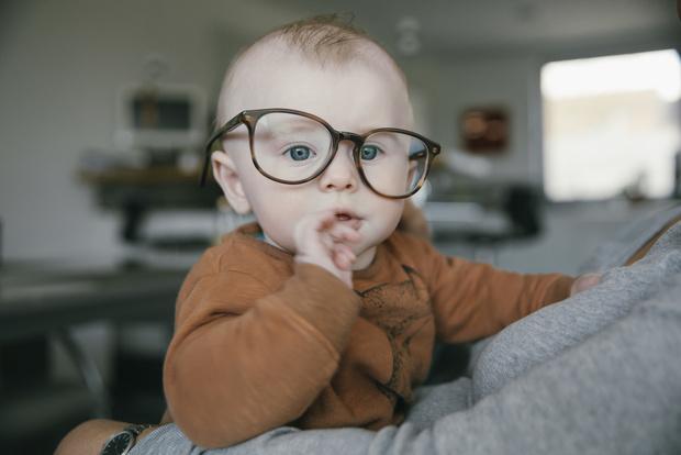 Фото №1 - Гаджеты вредят глазам и еще 6 мифов о детском зрении