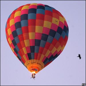 Фото №1 - Над светящимися шарами Байкала