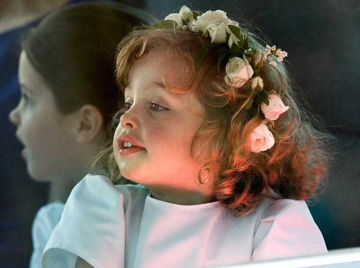 Фото №3 - Принц Джордж проявил характер на королевской свадьбе