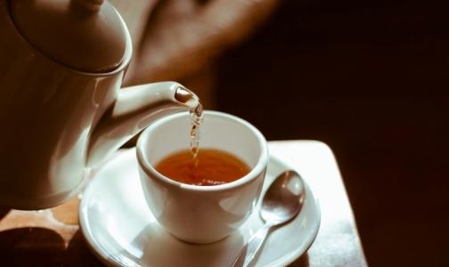 Фото №1 - Эксперты выяснили, какой чай лучше поможет проснуться утром