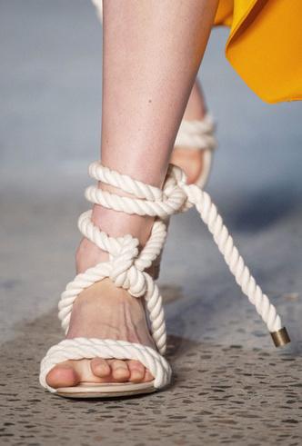 Фото №19 - Самая модная обувь весны и лета 2019