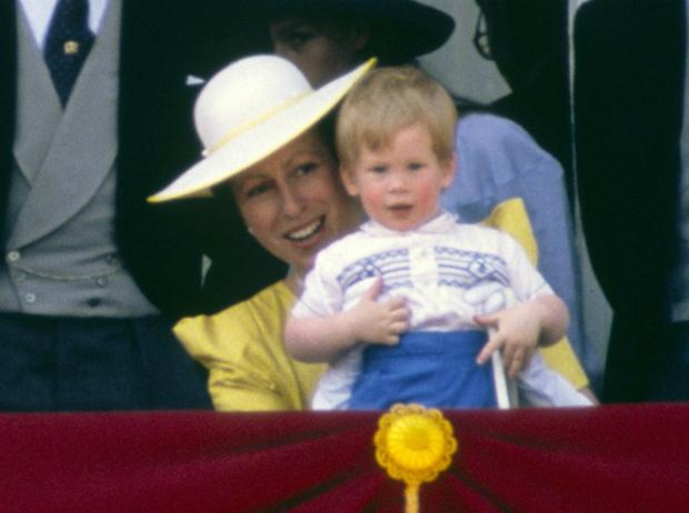 Фото №1 - Королевская обида: почему принцесса Анна отказалась приходить на крестины Гарри