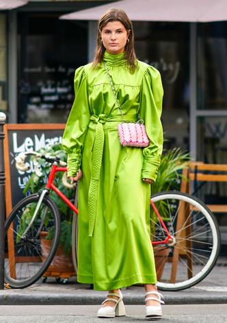 Фото №15 - Чем еще заменить цветочный принт в гардеробе: 6 идей от стилиста