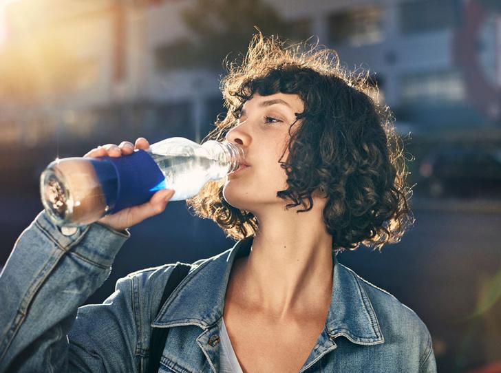 Фото №1 - Учимся пить воду в нужных количествах