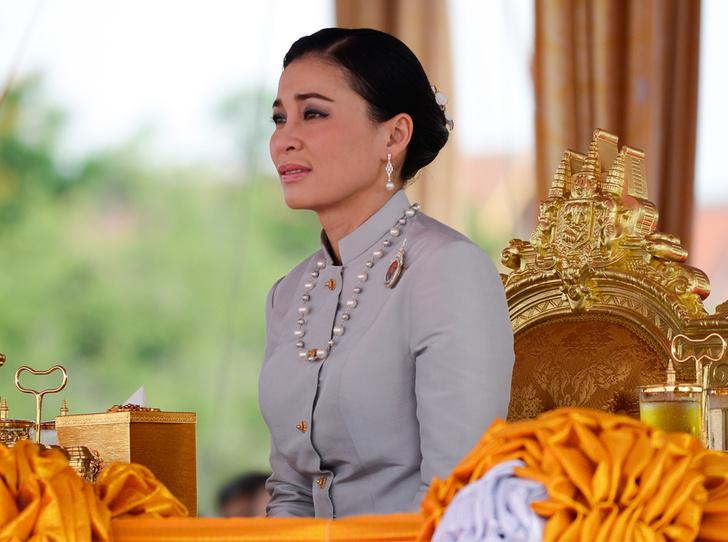 Фото №1 - Представлены официальные снимки королевы Таиланда