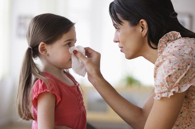 Фото №1 - Заложенность носа у ребенка: симптомы, причины, лечение