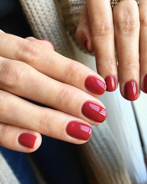 Фото №2 - Ягодный маникюр: самые сочные цвета для коротких и длинных ногтей