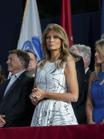 Фото №7 - Лучшие образы Мелании Трамп в 2020 году