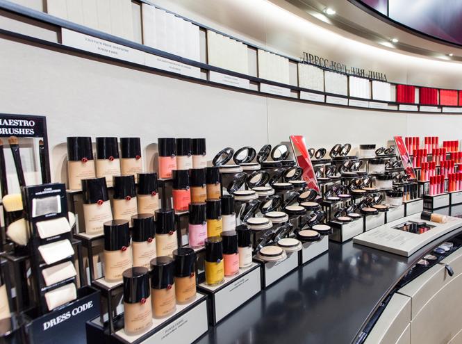 Фото №5 - Первый в Европе: в Москве открылся парфюмерно-косметический бутик Giorgio Armani Beauty