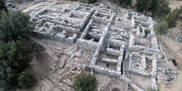 Фото №1 - На Крите обнаружены золотые артефакты минойской цивилизации