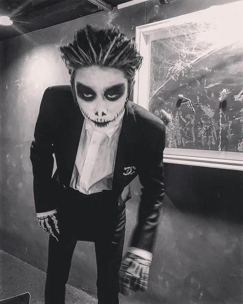 Фото №2 - 10 лучших костюмов k-pop айдолов на Хэллоуин