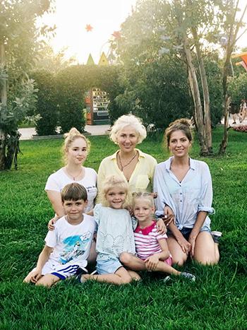 В дружном доме Кукушкиных теперь живут пятеро детей, трое из которых  приемные.