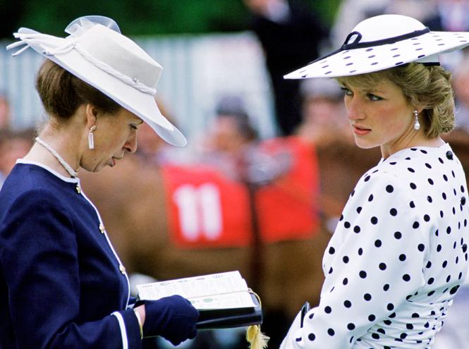 Фото №5 - Такие разные принцессы: почему Анна так и не подружилась с Дианой