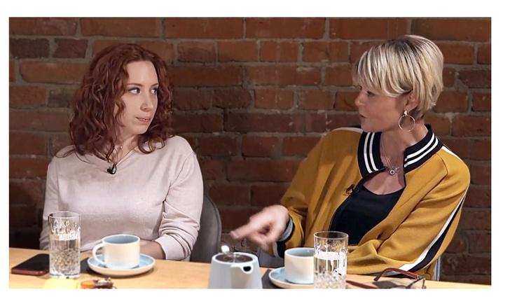Фото №1 - «Все начинается с того, что женщина зависима от мужчины».Юлия Меньшова и другие известные женщины встретились в День борьбы с домашним насилием (видео)