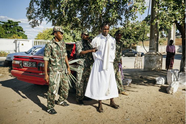 Фото №4 - И в Африке Пасха: мистерия «Крестный путь» в Мозамбике