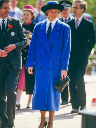 Фото №13 - Одним цветом: как королевские особы носят монохромные образы— 30 вдохновляющих примеров