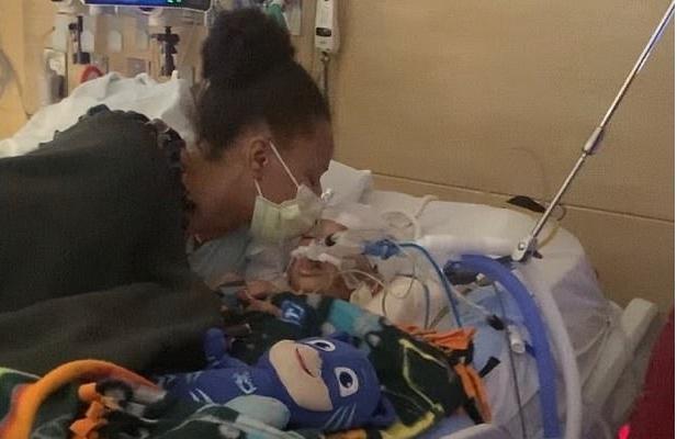 Фото №2 - Мать потеряла сына, пытаясь лечить его по советам из соцсетей