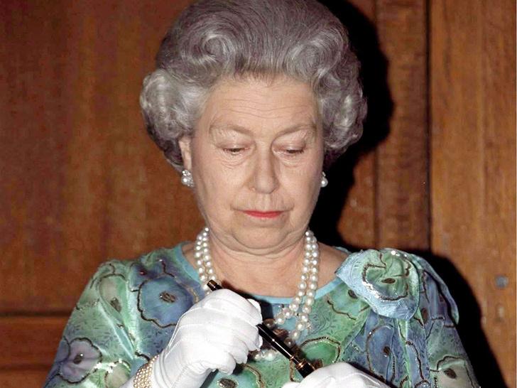 Фото №5 - Королевская траурная традиция, которую нарушила Елизавета