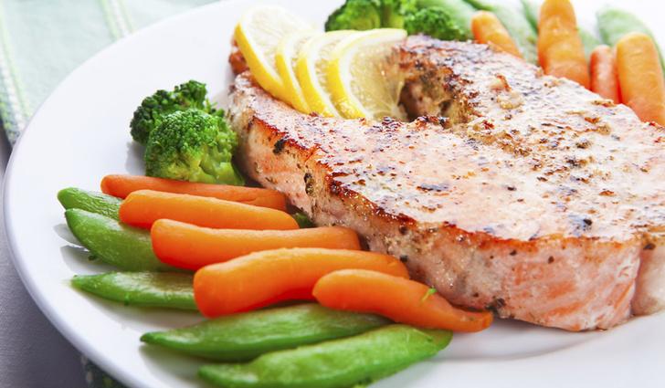 Фото №1 - Блюда из рыбы защищают от депрессии