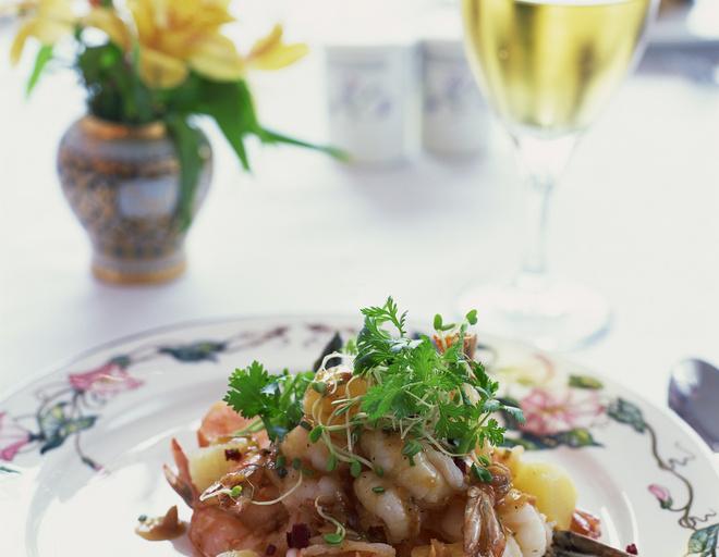 слоеный салат с ананасами