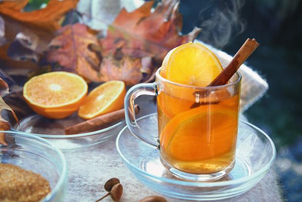 Фото №2 - 3 необычных рецепта чая, которые согреют в зимние холода