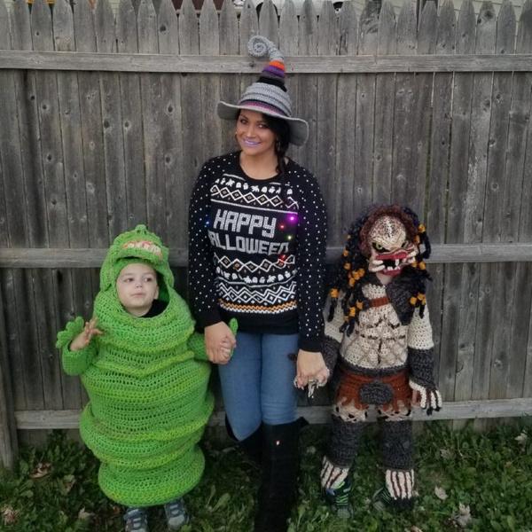 Фото №1 - Мама вяжет детям бесподобные костюмы на Хэллоуин: фото