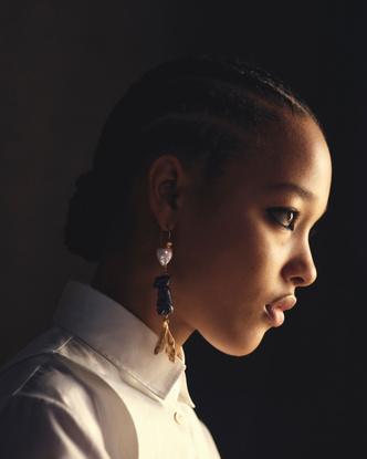 Фото №5 - От сумок до обуви: как выглядят самые модные вещи из «золотой» капсулы Dior