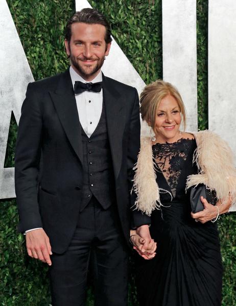 Брэдли Купер с мамой