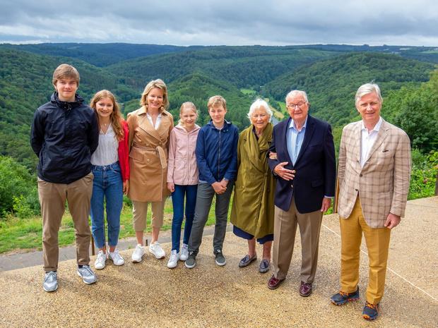 Фото №9 - Цена Короны: какая королевская семья обходится подданым дороже всего