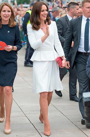 Фото №24 - Суровые уроки стиля, которые Кейт Миддлтон усвоила в браке с принцем Уильямом