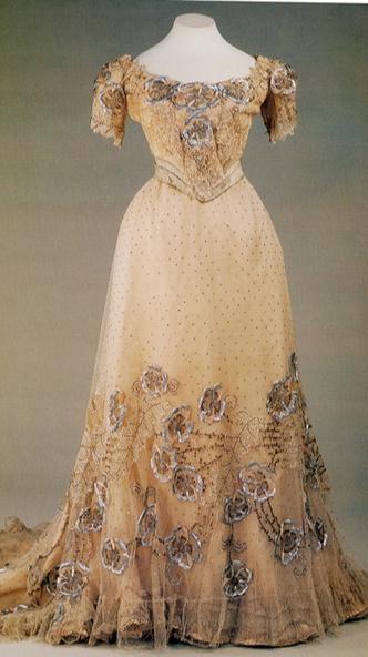 Фото №4 - Звезда эпохи: как Надежда Ламанова стала любимым модельером императрицы и советских женщин