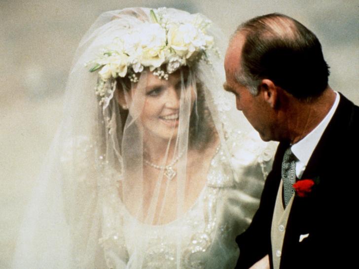 Фото №3 - Папины дочки: самые трогательные фото королевских невест с отцами
