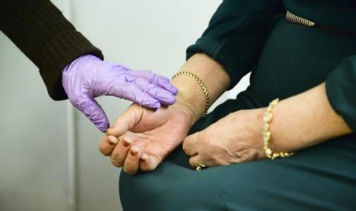 Фото №1 - Петербургские поликлиники предупреждают: пенсионеров атакуют мошенники