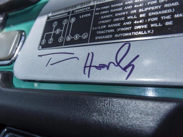 Фото №2 - Внедорожный Toyota Land Cruiser Тома Хэнкса пустят с молотка